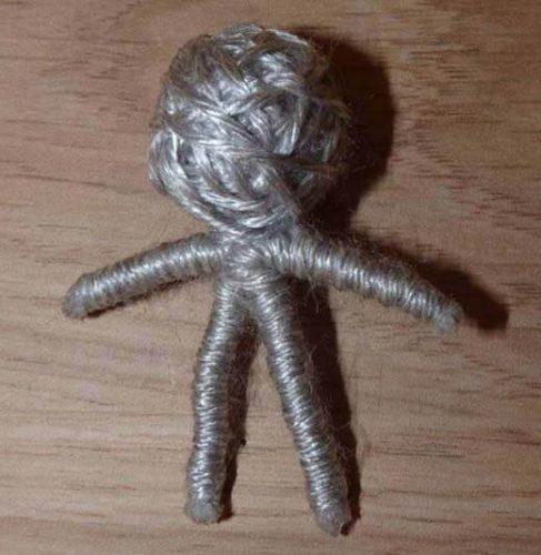 Кукла вуду из бечевки