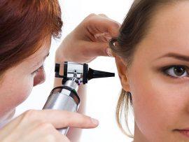 Как удалить серную пробку из уха самостоятельно в домашних условиях? Капли, свечи, перекись водорода и другие способы