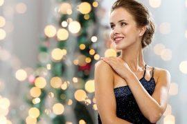 Как одеться на Новый год 2018? Цвет одежды, платья, украшения