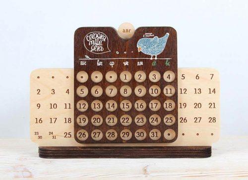 Деревянный вечный календарь