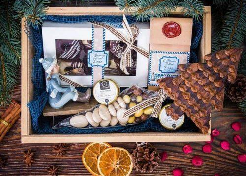 подарки на новый год клиентам - вкусные наборы